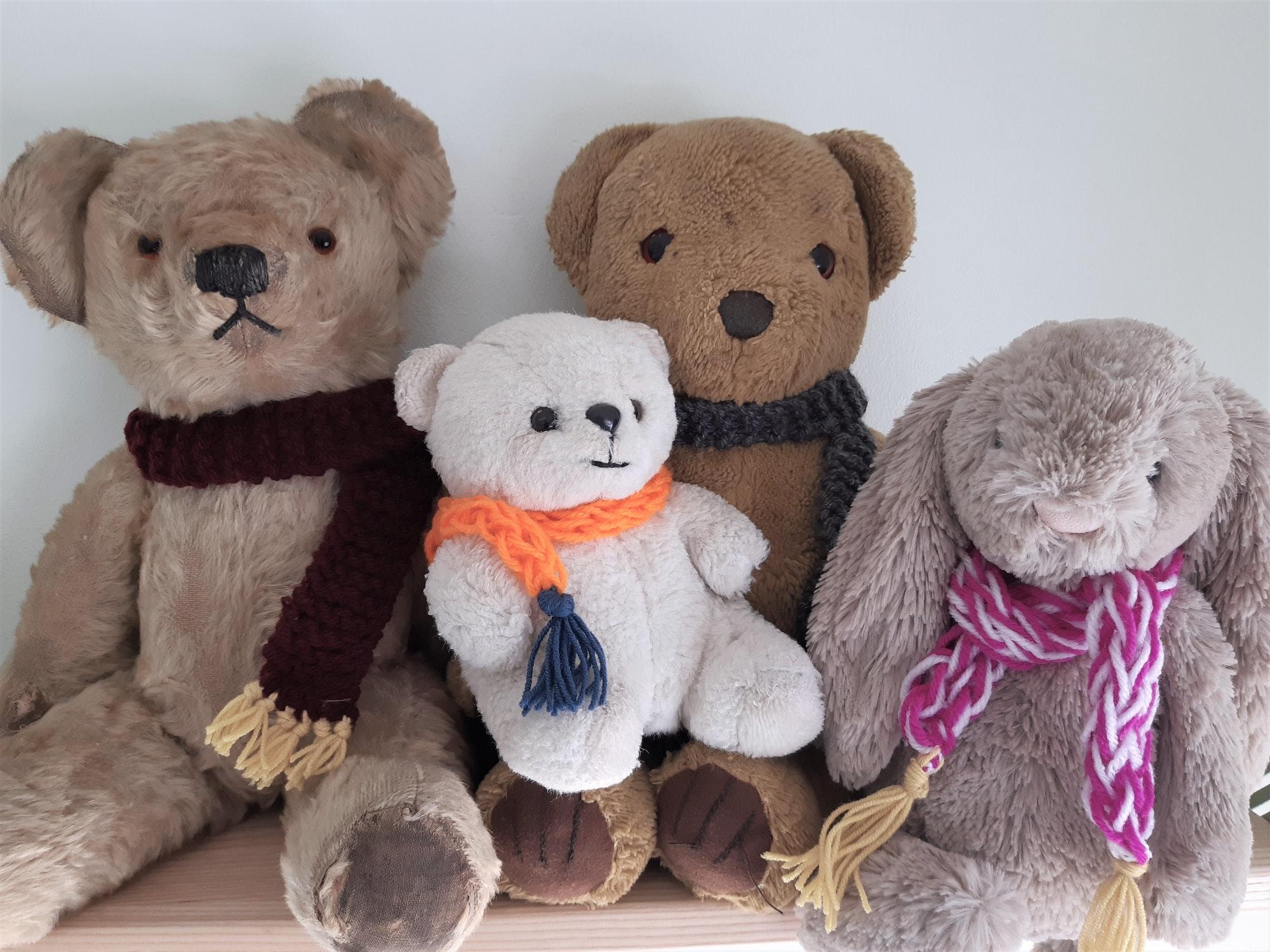 Crafty Tuesday: Teddy Bear Scarves - Derby Days Out