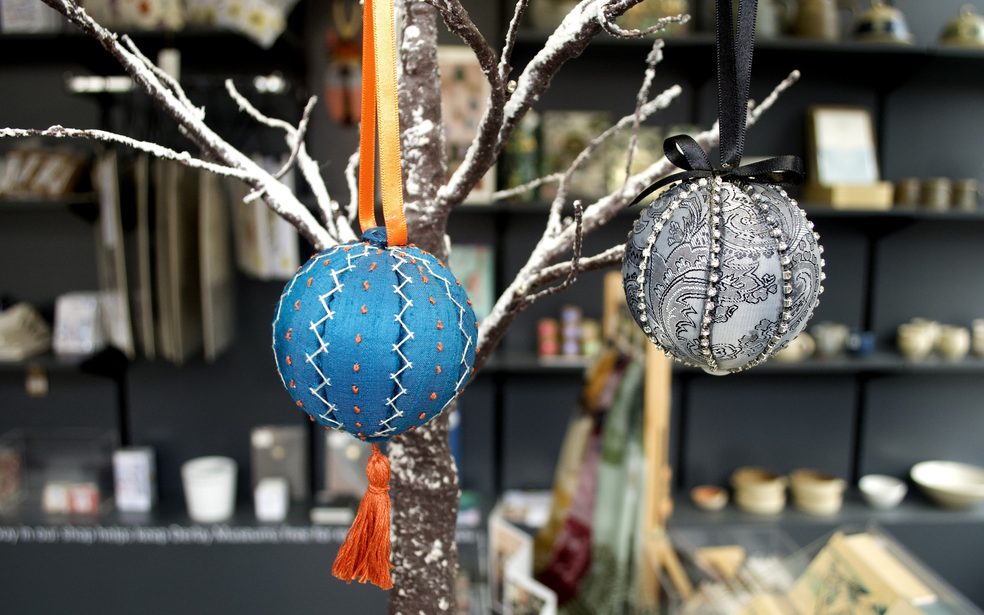 Christmas Bauble Making Workshop - Derby Days Out
